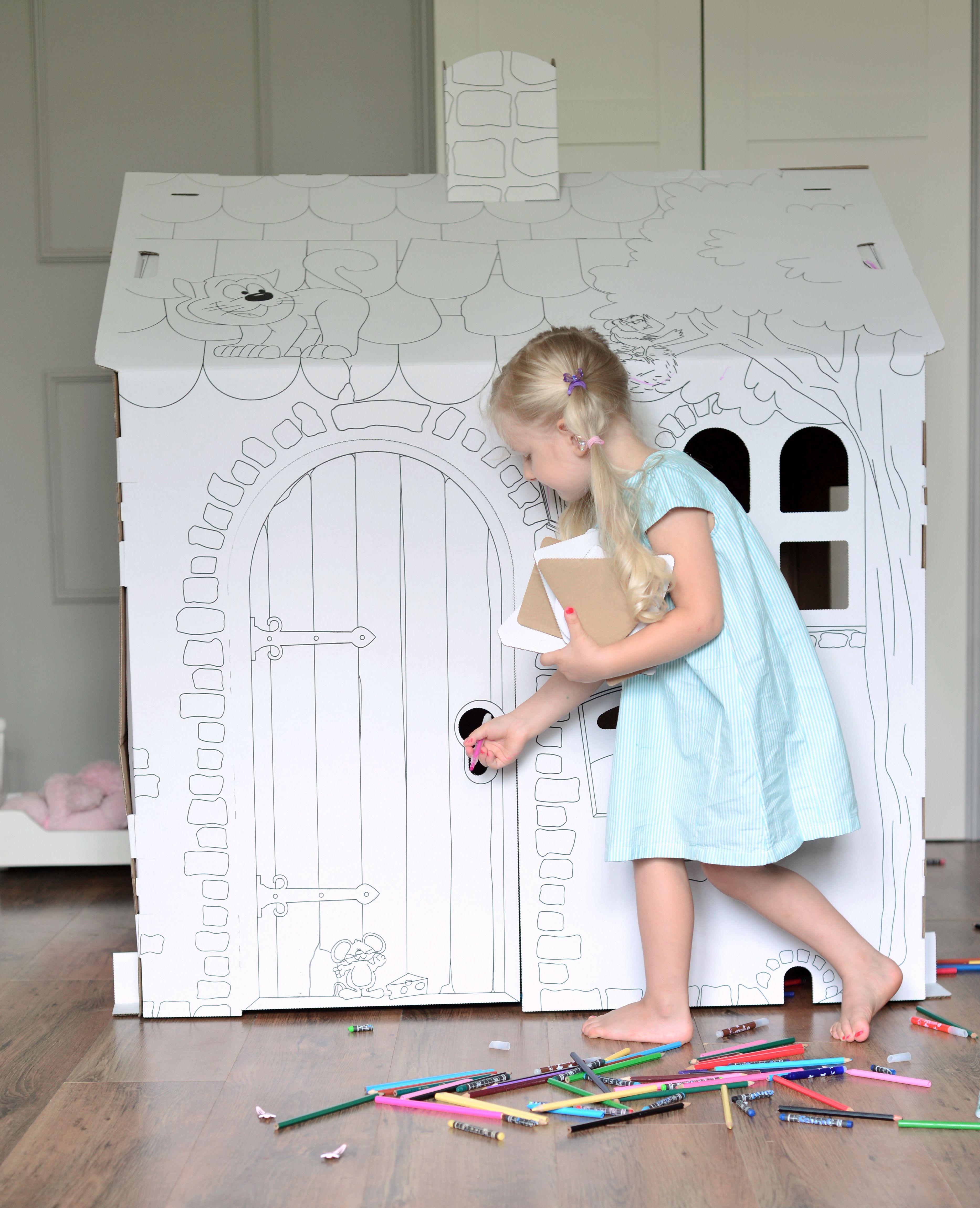 biały domek do malowania